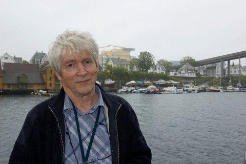 MENINGSMÅLING: Med respekt for folket bør vi konkludere i  skolesaken mandag 12. april, mener Leif Einar Hollund i Sveio Høyre, som har bestilt en meningsmåling om skolenedleggelse.