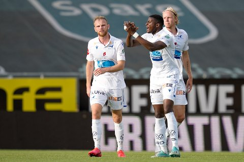 UENIG MED DOMMEREN: FKHs Alioune Ndour likte dårlig å bli utvist mot Lillestrøm.