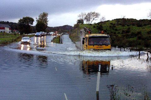 FLOM: Bildet er fra 2003. Både før og siden har det vært oversvømmelse i dumpen en rekke ganger.