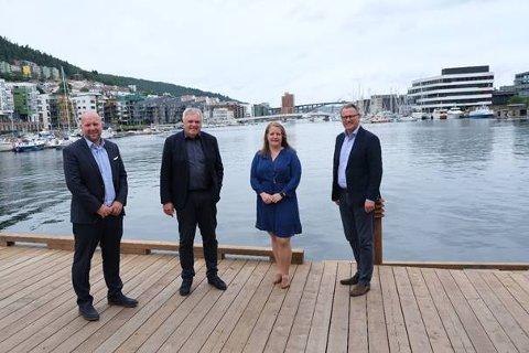Finansdirektør Frode Garlid og administrerende direktør Øyvind Mikaelsen i DeepOcean sammen med Anette Broch Mathisen Tvedt og Hans Petter Klohs i Adepth Minerals.