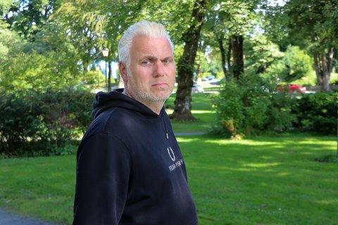 KLAR FOR Å GI RÅD: Trygve Eriksen jr. er jevnlig i kontakt med huseiere som vil ha hjelp til å ta vare på eiendommen sin.