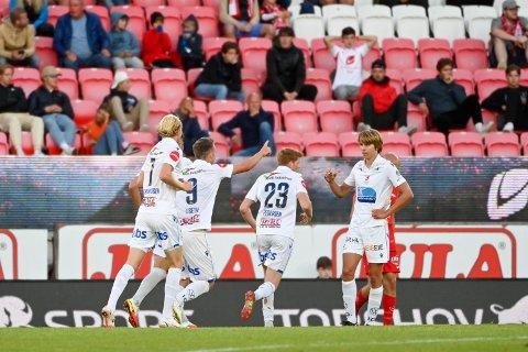 FEIRING: Jubel for scoring ved Haugesunds Sondre Liseth under  eliteseriekampen i fotball mellom Brann og FK Haugesund  på Brann stadion.