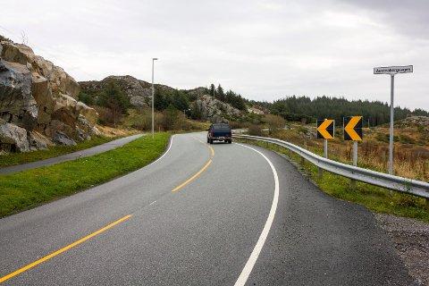 STANSET: Her like sør for Sandve stanset sykkel- og gangstien brått tidligere. Nå åpner den nye strekningen, som har kostet titalls millioner.