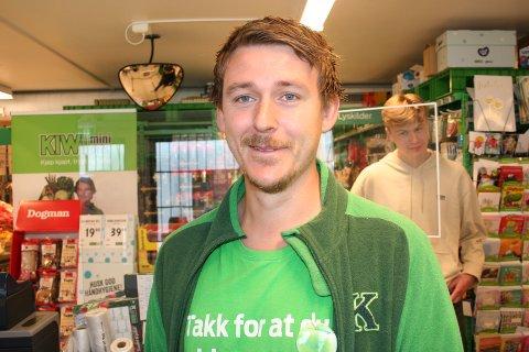 KIWISJEF: Butikksjef på Kiwi Gard, Tommy Lønning, flyttar til den nye Kiwibutikken som blir opna i Ølen i februar. (Foto: Sigmund Hansen).