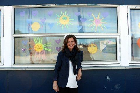 Kommunalsjef Connie Pettersen i Alstahaug tror kommunen må være mer aktiv for å rekruttere lærere i årene som kommer. Foto: Leif Steinholt