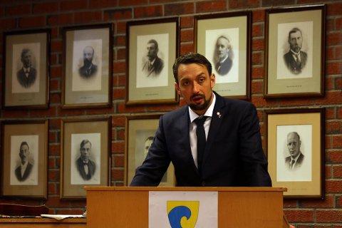 Dønna-ordfører John-Erik Skjellnes Johansen (Ap).
