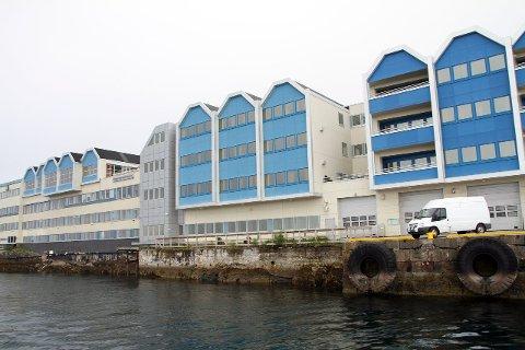 Rives?: Statsbygg er i forhandlinger med Søren Nielsen AS om kjøp av hele bygget som i dag huser størsteparten av de ansatte ved Brønnøyøsundregistrene. Foto: Ann-Helen Moen