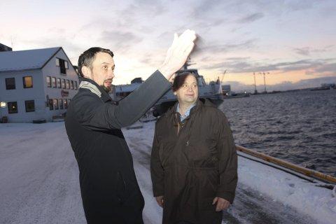 KUTT: Ordfører i Dønna, John Erik Skjellnes Johansen (Ap) og rådmann Tor Henning Jørgensen må i dag ta stilling til en lang kuttliste. Foto: Jarl G. Sandholm