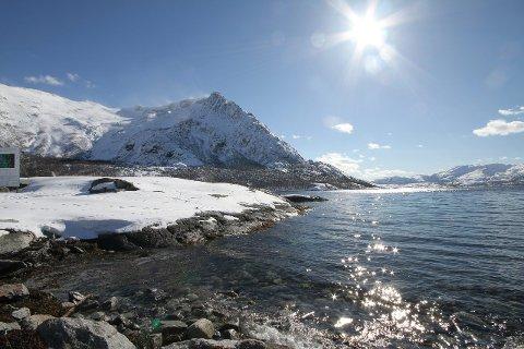 FINVÆRDet er duket for flotte dager både på fjell og i fjære. Foto: Ann-Helen Moen