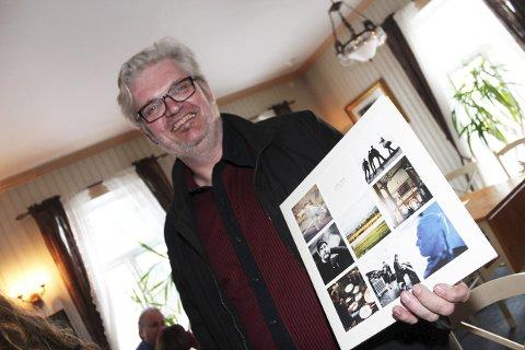 Vinylt: Snorre Roger Simensen sikret seg et signert eksemplar. Han har 2.500 LP-plater og 3.500 singler i samlinga. Sånn cirka.