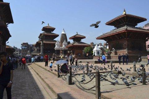 Knust: – Dette bildet er av gamle templer i en hellig bydel i Katmandu, tatt like før de fleste av dem ble jevnet med jorden. Det var enorme skader å se etter skjelvet, forteller Evelyn Moen Ljøkjell.Foto: Privat