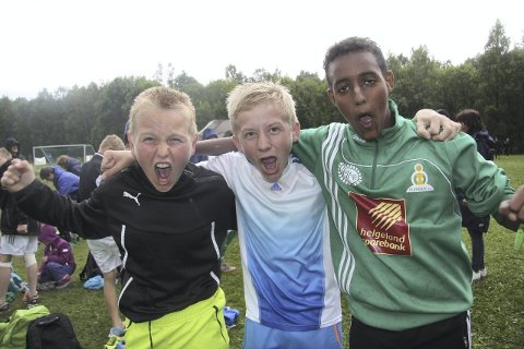 MÅLSCORERNE: f.v. Adrian Birkeland Mo (2), Sebastian Kummernes og Abdi Abdillahi. Norway cup Foto: Svein Halvor Moe
