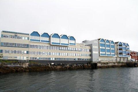 For salg: Søren Nielsen AS eier bygget til Brønnøysundregistrene og Statsbygg er i forhandlinger om å kjøpe hele eller deler av bygningsmassen på vel 12 000 kvadratmeter. Foto: Ann-Helen Moen