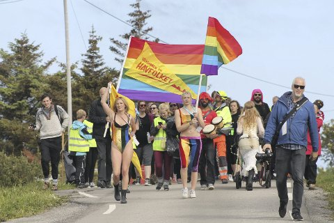 PARADE: Træna Pride vokser i omfang. Bildet er fra fjorårets parade. Pressefoto