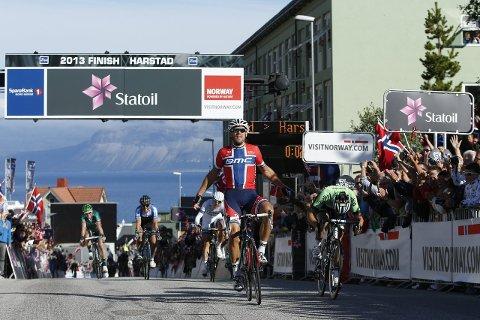 Målby: Thor Hushovd vant siste etappe i Harstad i 2013 (bildet). I år er Sandnessjøen målby på andre etappe i Arctic Race of Norway.Foto: Sebastien Boue
