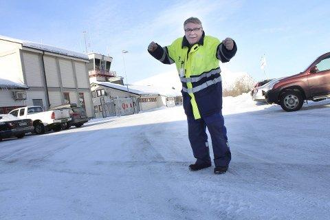 Utfordrer: Roar Aanvik i støtteforeningen for Mosjøen lufthavn utfordrer næringslivet til å kjempe enda hardere for å bevare den lokale flyplassen. Foto: Jon Steinar Linga