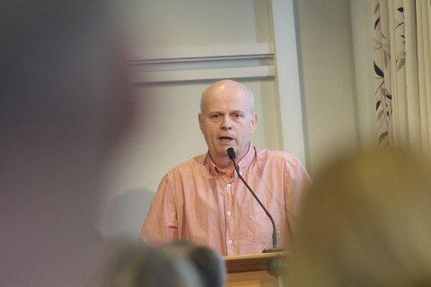 GOD SAMVITTIGHET: Roy Brubakk (bildet) bør ha god samvittighet for det prinsipielle ved å ha stilt spørsmål ved rekrutteringsprosessen, skriver Alf Vesterbekkmo. Foto: Jon Steinar Linga