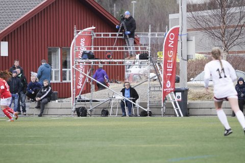 Derby på direkten: MIL mo SIL på Kippermoen er årets første store lokalderby, og Helgelendingen viser kampen direkte på nett-TV.