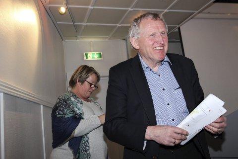 SIER NEI: Regionveisjef Torbjørn Naimak avviser anbudet fra Hæhre Entreprenør AS på grunn av at det ble innlevert i Mosjøen og ikke i Oslo.  Foto: Rune Pedersen