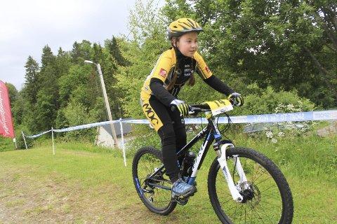 Løp: MOC fikk Vefsn Venstres miljøpris. Marte Stenhaug elsker å sykle på terrengsykkel. Foto: Jon Steinar Linga