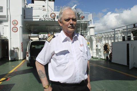 Med på redning: Skipper Sverre Torbjørn Husby er en del av mannskapet på «Alsten» som hjalp to personer opp av vannet fredag. foto: Benedicte Wærstad
