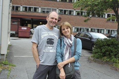 På gjennomreise: Uwe og Ruth Grindau fra Tyskland var i Mosjøen lørdag, og planla å reise videre søndag.