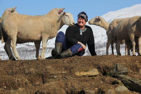 BJØRNEOMRÅDE: - Det er helt uakseptabelt at fylkesmannen når foreslår å beslaglegge hele Hattfjelldal kommune og dermed også deler av nabokommunene, til prioritert bjørneområde, skriver Laila Hoff.Foto: Privat