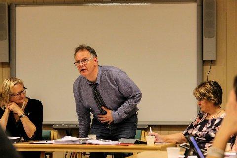 Rådmann Tone Larsen til venstre. Det er ordfører Bjørn Ivar Lamo og varaordfører Britt Aune Olsen som ikke får økt lønn neste år.