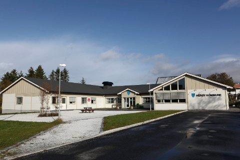 TAPPE FOND: Rådmannen i Herøy foreslår å sette vannavgiften til null kroneri 2018 for å tappe kommunens vannfond, som har blitt for stort.