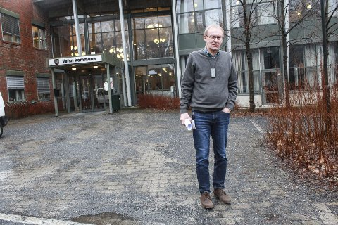 Eldre: Kommunalsjef John-Arvid Heggen konstaterer sier at utfordringene innen helse- og omsorg er så store at kommunen blir «lammet» dersom den ikke allerede nå begynner å dimensjonere omsorgssektoren for eldrebølgen som er på vei. Foto: Jon Steinar Linga
