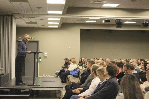 Inspirerte: Ingvard Wilhelmsen holdt foredrag for 300 personer på Fru Haugans hotell, som ble godt mottatt. foto: Benedicte Wærstad