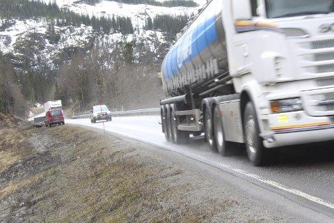 E6: Skanska sier at det blir oppstart med skoging nord for Mosjøen omkring 20. mars. Bildet er tatt ved Forsmo bru, hvor det for øvrig skal settes opp en bom, trolig i løpet av våren eller på forsommeren. Foto: Jon Steinar Linga