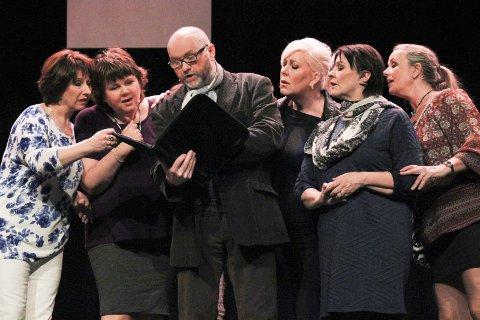 Kalender: Trine Bjørnå, Renee Karlsen, Eva Marie Jørgensen Sødal, Tatjana Osipova, Lise Hagfors og Rolf Bjørnå.