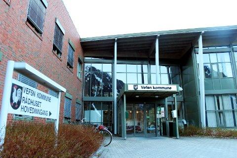 Vefsn kommune har passert 1,2 milliarder i gjeld, men har også penger på bok.