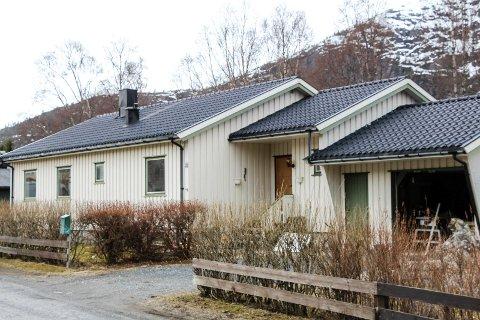 Vefsn: Sagmoen 20 (Gnr 103, bnr 1252) er solgt for kr 2.840.000 fra Ørjan Thorstensen Rosvold og Marit Rosvold Nilsen til Nina Engelsø og Kjell Arne Engelsø (04.04.2017)