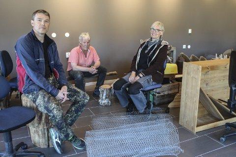 I flyttelasset: Steinar Hanem, Gunnar Krutådal og Liv Grøneng midt i det som skal bli butikk. foto: Benedicte Wærstad