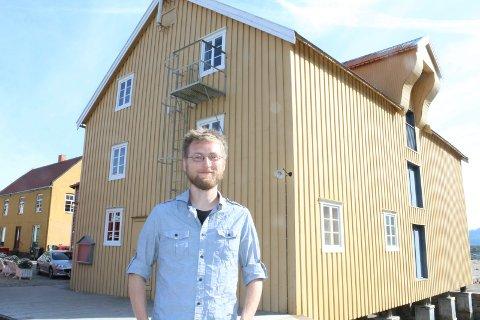 TILBAKE: Håvard Nilsen skal holde slippfest på gamle trakter i Jacobsenbrygga. I 2015 sluttet han som  avdelingsleder for Helgeland Museum avdeling Vefsn.