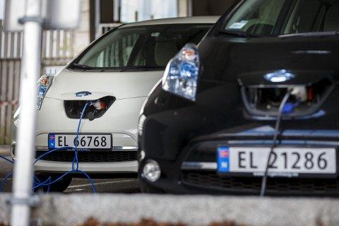 ELBILBOOM: 3.948 nye elbiler kom på veiene i Norge i juni.