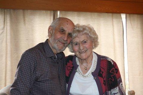 Torbjørn Nilsen (94) fra Sandnessjøen og Helene Enoksen (95) fra Mo i Rana vokste begge opp på Myken. De så hverandre sist i 1942. 76 år senere møttes de igjen.