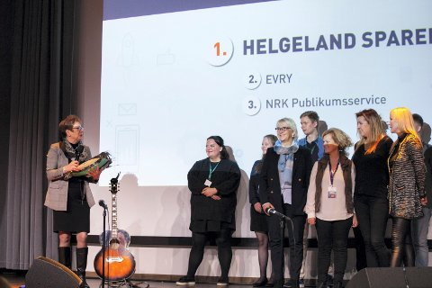 satt pris på: Kundeservicesjef Ragnhild Forshaug mottok prisen på vegne avHelgeland Sparebank.