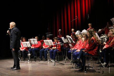 Olav Kristoffersen har vært med i Sandnes skolekorps siden starten. Han var tydelig rørt på scenen.