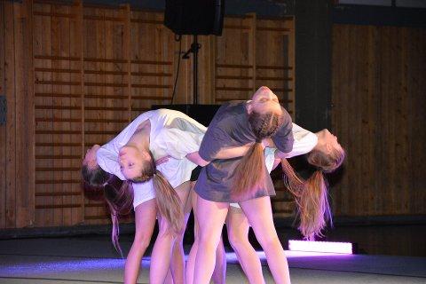 12 ballettelever fra Vefsn kulturskole reiser i november til Den Norske Opera for en skikkelig drømmedag. Flere av dem deltok i helga på koreografikonkurransen i Mosjøhallen.