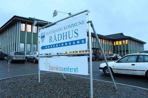 Alstahaug kommune har via en helserådgiver klaget Helgelandssykehuset inn for Fylkesmannen. Bakgrunnen er en pasient med mange års rusavhengighet, ikke får det de beskriver som nødvendig helsehjelp for å holde seg rusfri.