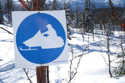 Allerede på 1960-tallet begynte hattfjelldalingene å kjøre snøskuter, i dag er det registrert 434 skutere i kommunen.