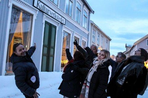 Velkommen: fv. Stig Ove Sivertsen, Marit Sivertsen, Rune Jakob Jacobsen, Annika Honggard, Hans Lømo, Katrine Remmen Wiken ønsker velkommen til Kulturverkstedet og idemyldring.