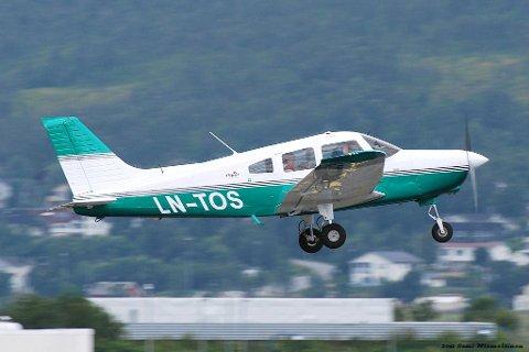 Småfly: Det var dette flyet som havarerte utenfor Svolvær søndag kveld. Flyet er av typen Piper PA-28, et ettmotors lett fly med stempelmotor. Foto: Sami Niemeläinen