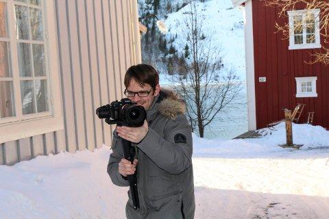 Gabriel Emanuel Arnold filmer i Mosjøen