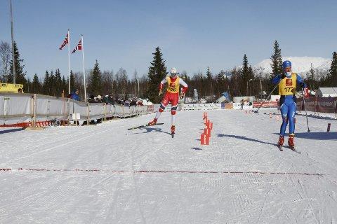 Første dag i NNM på Sjåmoen fredag. Fristil korte distanser. Preben Horven Bossmo og Ytteren IL vant G16. T.h. Trym Henriksbø Gjerstad Mosjøen IL-Ski