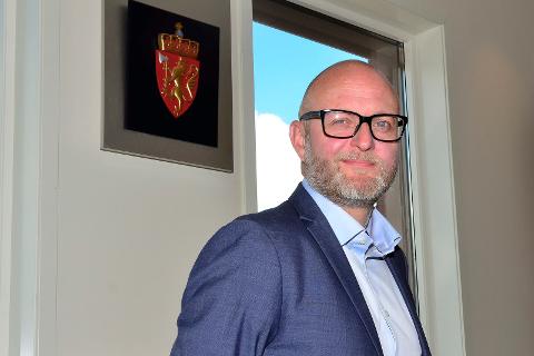 Rolf Selfors er sorenskriver for alle de tre tingrettene på Helgeland.