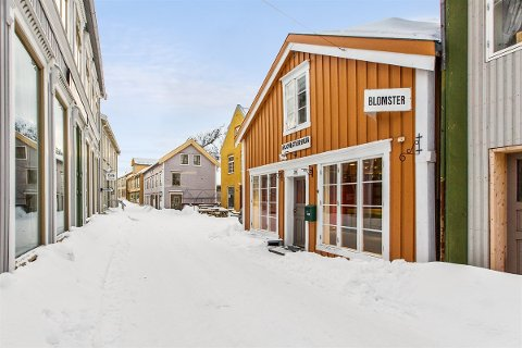 Sjøgata 29 er til salgs for 2,8 millioner kroner.
